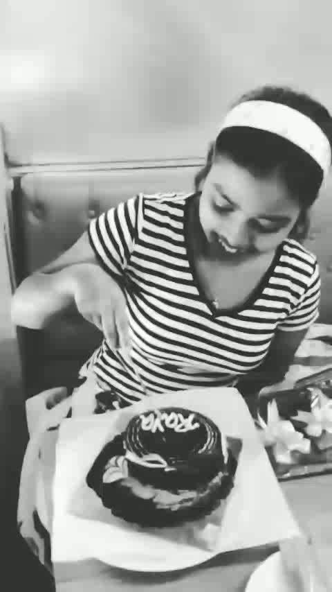I had to wait for this day. Tried to surprise her as much as I could. My effort is worth her smile. @raya_  #birthday #lateupload #birthdaygirl #cake