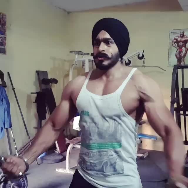 #sardarji #sardariforever #gymfreak #gymlovers #attitudekiller #swaggerlifestyle #bodybuilder #sixpack #atttttttttttt #sardarni #kaimsardari #ropo-lov #punjabisuit #kudiyaandmunde #hottesttrends #sexy-look  #billionaire #sexyboy