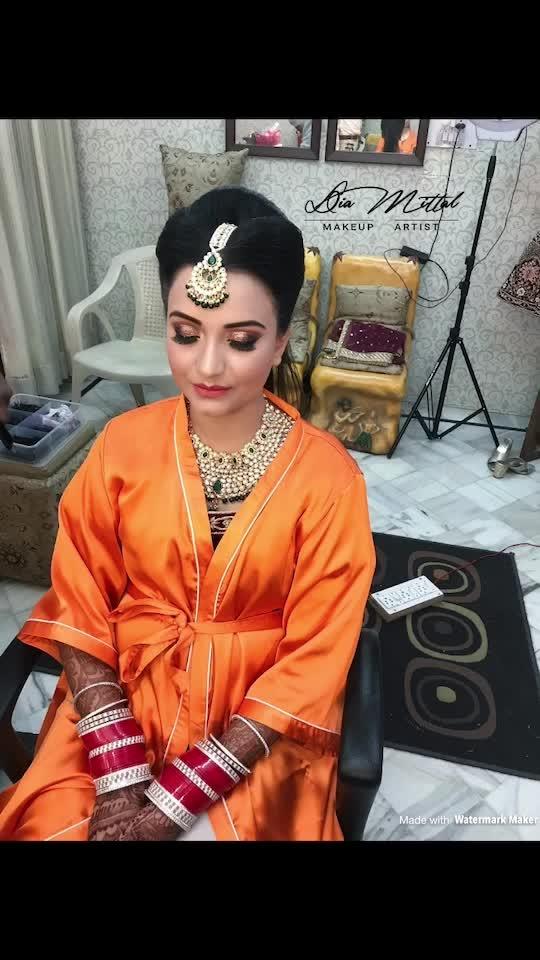 #brideinmaking #bridal #look #makeup #beautiful #bride #stunning #marvellous #makeupbydiamittal #mua #makeupartist #indianbridalmakeupartist #bridesof2018 #wedmegood #shadesofweddings #bridalmakeup #weddingmakeup #theweddingchamber #diamittalmakeupartist #thebridesofindia #thebridesmakeover #diamittal #diamittalmakeovers @diamittalmakeovers