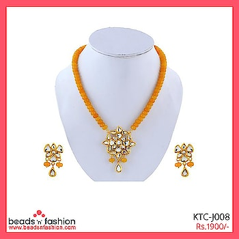 Yellow Look Costume Jewellery Necklace 22K Gold Plated #beadsnfashion #22kgold #stonejewellery #kundannecklace #kundannecklaceset #handmadejewelry #handmadejewellery #handmadenecklace #designerjewellery #fashionjewellery #neckpiece #necklaceset #handcraftedjewelry #handcraftedjewellery  Buy This  https://bit.ly/2vQQNDy For 1900/-