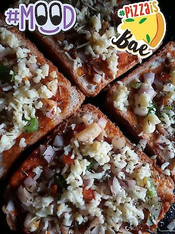 bread pizza #pizzaisbae #mood