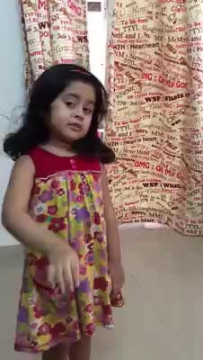 cute small girl fight with his mom#damncute #smallgirl #roposofever #roposo-mood #thanks-roposo-for-such-a-colourful-video #followme #followforfollow #followformoreupdates #followformuchmore #followmeonroposo