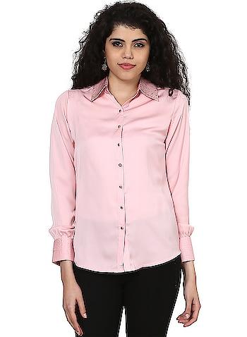 Lakshita - Peach Plain Shirt  Link: https://bit.ly/2ItBmTw  #Lakshita #Peachshirt #Peachtop #Roposo #WomenFashion #LakshitaOnline #RoposoDiaries #summercollection2018  #fashionlover