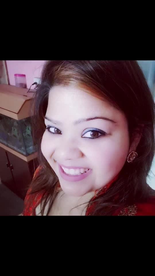 When you own a smile that kills the world.... 🥂🤓😜💃🏻😎 #hercreativepalace #hcpkanika #selfie #orange #highlights #blogger #delhi #india #makeup #onpoint #smile #kanikasharma