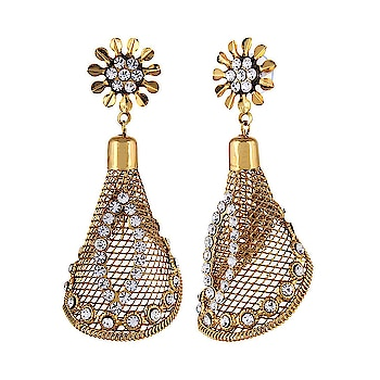 Kauberi Jewels ethnic gold plated metal dangle & drop earring for women ER-3G-9124  Brand  -Kauberi Jewels Collection   -Ethnic Material    -Metal  Metal   -Gold Plated  #ethnic #jewelry #earring #artificial #designer #goldplated #partywear #hairextensions #hairs    Buy Now:- https://amzn.to/2GCVdxE