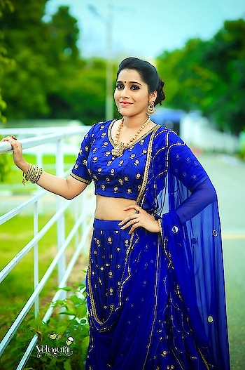 #rashmigautam #nishracouture #southindianactress #lehenga #bluelehenga #embroidered #embroideredblouses #embroideredlehengas #weddingwear #indianwedding #weddingdress #jewellery #jewelry #weddingfashion #weddingstyle #celebrity #fashion #style #styles #indiandress #indianfashion #indianmodel #blue #navyblue