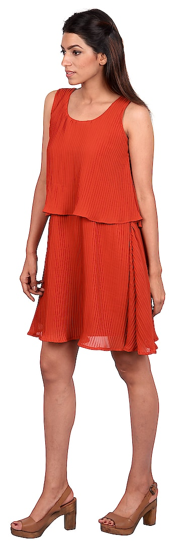 Crumpled patters equals no stress; this rust red A-line dress is for those special occasions which come unannounced. Just pull this one out of the closet and you're ready to celebrate.  #tagwithtog #fashionforbillion #needsnooccasion #women #women-fashion #womenwear #women-branded-shopping #casual-clothing #women-fashion #women-style #womenclothing #women #womensclothingstore #women-clothing #womenwear #casual #casual-clothing #casual-wear #casualing #ss18collection #dress #western-dress #westernwear #womenwear #springsummer #2018 #2018fashion #western-dress #fashiondesigner #fashionblogger #mumbai #mumbaisale