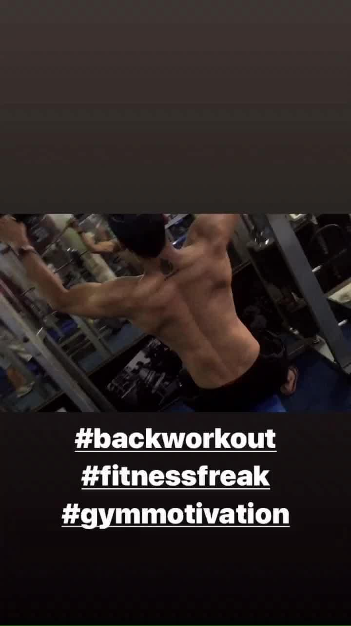 If u r strong u cant fail  Strong from ur body n mind   #backworkout #gymworkout #gymmotivation #hardwork #fitnessfreak #letspully #groundpully #fitnessmodel #gym #muscle #diet #passion💪🏻 #fitness