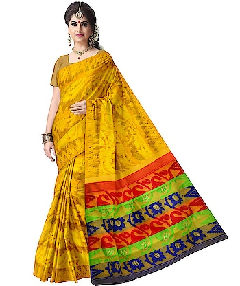 Traditional handwoven #dhakaijamdani saree of Bengal available online. Shop for this beauty at: http://ow.ly/xkQO30kgxbc