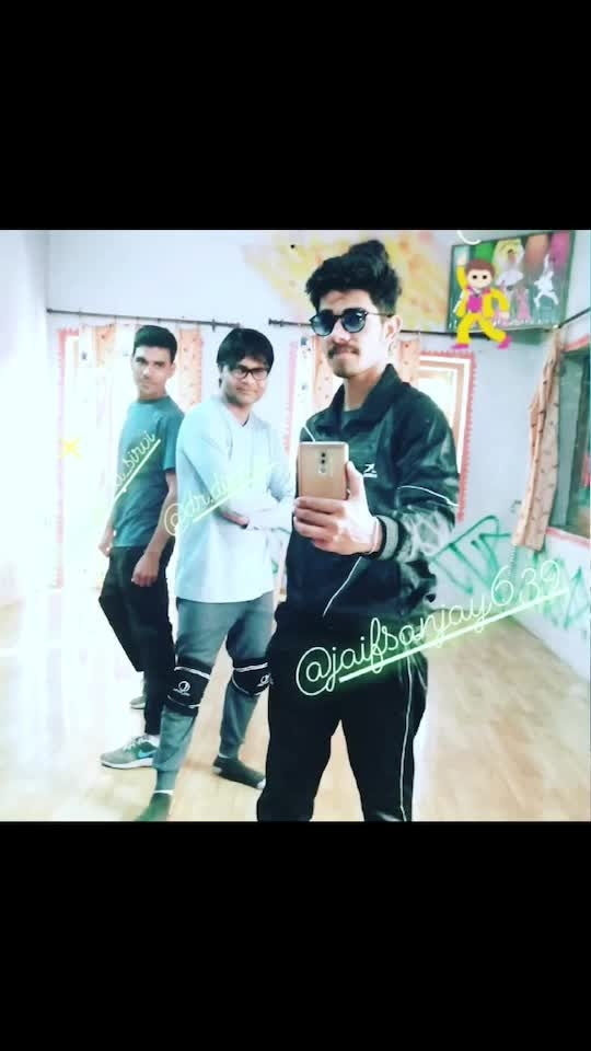When they come and they really come back after a long time 🤨  keep petition 😋💕🌷 .. #thedancelovers #dancelove #danceforlife #danceforfun #dancebeat #dancelover #dancelife #danceninspire #dancemove