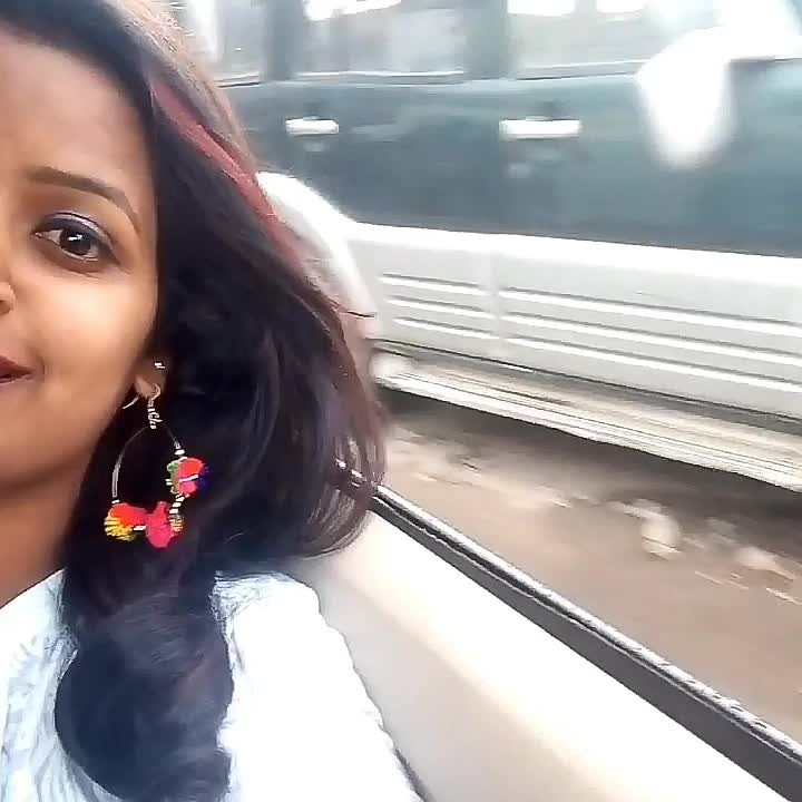 Road trips🛣️🚘 require few things: a well balanced diet🍲, ur gang👯👭 & excellent selection of tunes🎧💿. Ohhhh🤔 --And Direction's🗺️ #travelblogger  #travel #travelling #traveldiaries  #musiclove  #throwback  #ropo-video #ropo-video #indian #travel-diaries #roposochannel #be-fashionable #women-fashion