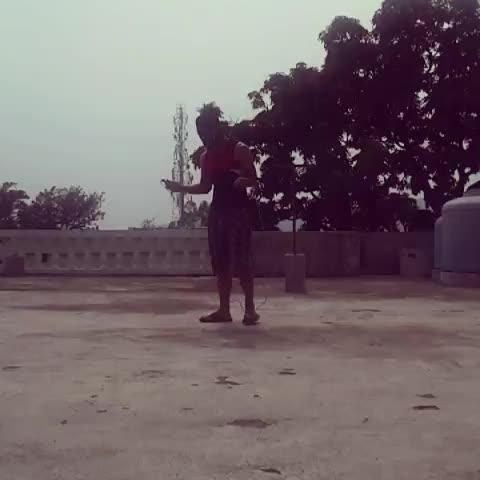 "Amazing rope #skipping  including(reverse,krueger,criss-cross etc)😎 ""improve coordination, footwork, stamina"" ✌ #fitness  #fitnessfreak  #fitnessgoals #motivation  #bodyweighttraining #stayhealthy #gym #gymlovers #fitnessmodel #gabru  #gabru_channel  #lookgoodfeelgood  #lookgoodnfeelgood  !"