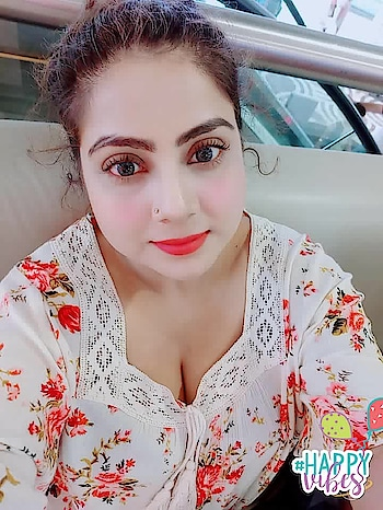 #makeup#eye-makeup#fashion-style #selfie#casuallook#badhairday#roposo-pic#pictureoftheday#indianmakeup#fashionista#cosmogal1412#glowingskin #happyvibes