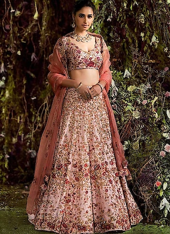 """Jazz up your Look with Our Stunning and latest #designer #lehenga choli . Shop More Save More. Grab it Now - <a href=https://www.bigbindi.Com/lehenga/designer"""">https://www.bigbindi.Com/lehenga/designer</a>  #prettypink #pink #pinklehenga #pinklehengalove #lehenga-for-wedding #lehengas #designer-wear"""