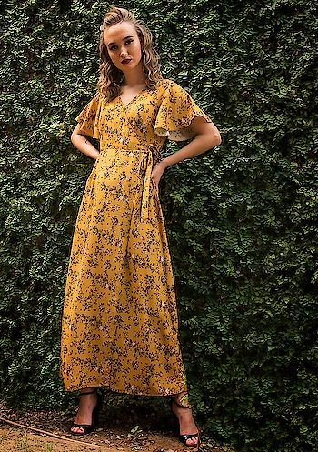 Give an essential chic edge to your casual look with our gorgeous maxi dresses!  SHOP NOW - https://bit.ly/2tm1qd4 . . . #FabAlley #Fashion #FastFashion #Maxi #Dresses #LongDresses #Long