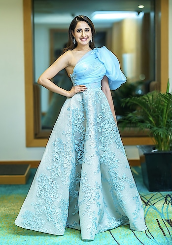 Pragya Jaiswal at Filmfare awards south 2018 in this gorgeous Laith Maalouf creation, she looked nice in a half shoulder gown https://www.southindianactress.co.in/featured/actresses-jio-filmfare-awards-south-2018/  #pragyajaiswal #southindinactress #teluguactress #tollywood #tollywoodactress #indianactress #indiangirl #indianmodel #fashion #style #gown #filmfare #laithmaalouf #halfshoulder #halfshouldergown #bluegown #babyblue #indianfashion #indianstyle #fashionquotient
