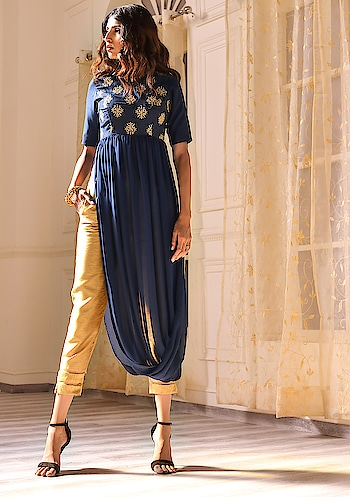 Discover High-Slit Tunics At Flat 35% Off. No Coupon Required! SHOP NOW - https://goo.gl/CPe5kA . . . . #Indya #HouseOfIndya #tunics #highslit #slit #sale #fashion #fashionsale #traditional