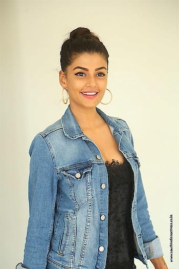 Anisha Ambrose at Ee Nagaraniki Emaindi Press Meet https://www.southindianactress.co.in/telugu-actress/anisha-ambrose/anisha-ambrose-ee-nagaraniki-emaindi-meet/  #anishaambrose #southindianactress #teluguactress #tollywood #tollywoodactress #indianactress #indiangirl #indianmodel #fashion #style #styles #jeans #jeansjacket #jeanscoat #beauty #beautifulgirl #sotuhindiangirl