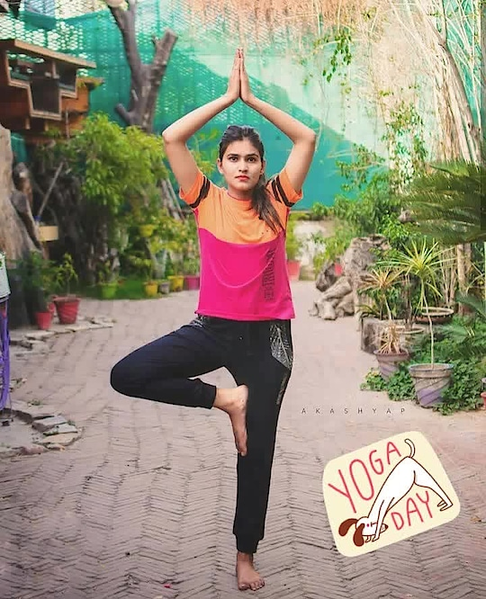 Let's celebrate International Yoga day. 🙏 If we talk about only pros, then Yoga is the best solution to all your problems. It keeps you mentally and physically fit, I know I also don't do it regularly but if anybody who feels they can start from today onwards. Start doing yoga, Because it's for a good cause. Good cause to make yourself feel better. 💫 . . #yoga #yogaday #picoftheday #shootday #potd #bhukkadfam #fabebg #mytaste2k18 #photoshoot #love #likeforlike #potd #Yogalove #health #life #happy #follow #jaipur #jaipurblogger #jaipurbloggers #treasuremuse 😊 #roposo #soroposo #ropo-love #ropo-good #roposostyle #roposogirl #roposostickers #roposolive #independentwoman #yogaday