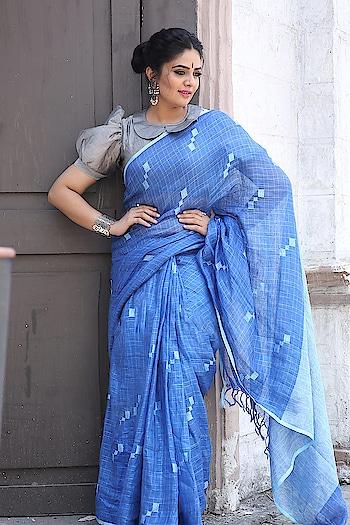 SreeMukhi in #rekhashouseofcoutures saree #sreemukhi #southindianactress #teluguactress #tollywood #fashion #saree #sari #sareefashion #sareelove #indianfashion #indianstyle #kirthanasunil #cottonsaree #fashion #indianstyles #indiantraditionawear #styles #bluesaree
