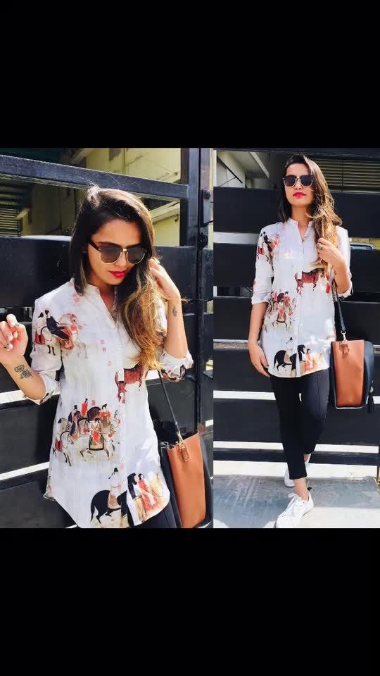 #blogoftheday #outfit #fashionblogger #zarajegging #westsideshoes  #dealjeans #figurativeshirt #classylook #stylistlife #bloggersworldwide