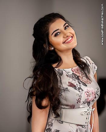 Anupama Parameswaran #anupamaparameswaran #southindianactress #malayalamactress #indianactress #indiangirl #indianmodel #actress #southindiangirl #beauty #beautiful #beautifulgirl #floral #floraldress #florallove #smile #beautifulsmile