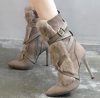 Stiletto Fur Boots 👢 Website Link -goo.gl/iY3HwJ . . . . #boots #pumps #heel #footwear #brown #faux #fur #fauxfur #slippers #loafer #stiletto #shoesofinstagram #shoegasm #heels #india #wiw #womensshoes #onlineboutique #shoponlineindia #affordablefashion #wholesalefashion #delhifashionblogger #wholesaleclothing #stylediaries #streetstyle #onlineshopping #designs #designerwear #trends #party