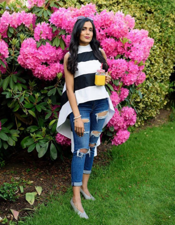 Black and White Tops  #monochrometop #monochrometops #monochrome #blackand whitetop #blacktop #whitetop #denims #ruggedstyle #ruggedjean #ruggedjeans #fashionblogger #style #ootd #fashiondiaries #fashionblogger #indianfashionblogger #beautyblogger #travelblogger #ukblogger #ropo-style #ropo-fashion #ropo-fashiondiaries #roposofashionblogger #roposofashion