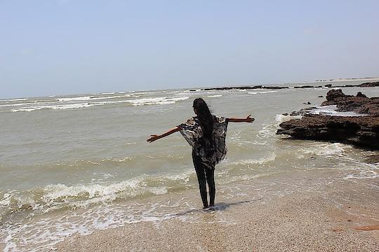 badaa azeeb he safar, ye zindagi ka safar..  #beach #beachvibes  #ropo-love #roposopic #roposo-style