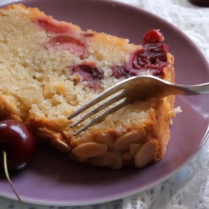 Eggless Cherry Almond Cake - Super soft, moist and delicious! 🍒🍰💕 Get the full recipe & video from the blog https://www.blendwithspices.com  #baking #cakes #recipes #yummy #desserts #sweettooth #food #foodie #eggless #bakinglove #delicious #foodblogger #roposofood #roposoblogger #yum #sweet #cooking #cake #fruits