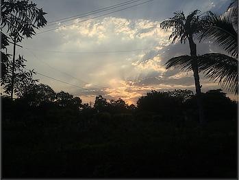 #sunset #sun #sunnyday #sunset_pics #sunsetlovers #sunsets_oftheworld #sunsetpoint #sunsetpoint #roposo #roposostar #roposo-telent #roposo #roposo-fashiondiaries