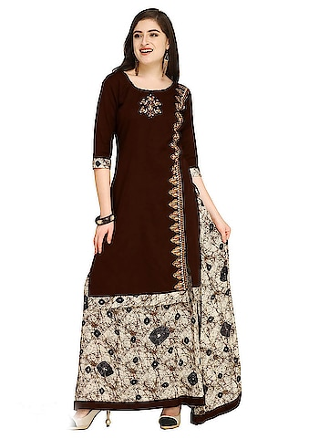 Classic Embroidered & Printed Skirt Suits...😍😍 Price:- 1400/- To Order Whats-app us (+91) 8097909000 * * www.nallucollection.com * * #kurtis #kurti #onlineshop #onlinekurtis #kurtisonline #dress #skirts #skirtkurtis #kurtiswithskirts #ethnicwear #fashion #salwarkameez #womenwear #love #fashionkurtis #trendingfashionstore