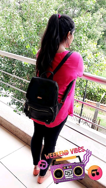 Summers are all about free size tshirts ❤ With that bagpack 🎀 #summer-style #summers #summer-fashion  #summer-looks #summeroutfit #backpack #bagspacked #highponytailsarelove #roposo #roposo-style #roposo-fashiondiaries #roposo-makeupandfashiondiaries #soroposo #ootd @roposobusiness @roposotalks