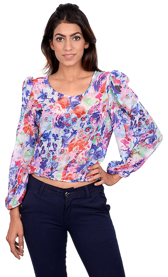 3Cs of fashion: Comfort, Comfort & Comfort. The balloon sleeves and loose fit of this top will make you feel at ease with the weather out there.  Click on chat to buy button to buy this look.  #tagwithtog #needsnooccassion #fashionforbillion #fashiondesigner #fashionfreak #fashionblogger #mumbaifashionbloger #casual #casualwear #casualwearfashion #casuallook #casualdress #womenswear #women-fashion #women #women-branded-shopping #women-style #womens-fashion #casualweardaily #dailywear #casuals #casualoutfit #westernwear #womenwesternwear #staytuned #stayupdated