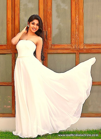 Shirley Babithra #shirleybabithra #southindianmodel #weddinggown #gown #white #whitegown #weddingdress #weddingfashion #weddingstyle #strapless #offshoulder #wedding #indianmodel #beauty #beautifulgirl #fashion #style #styles #southindian #southindiangirl