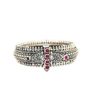 Buy silver bangles online for women with unique design and heirloom-quality!! Shop here @ https://www.rajsi.in/products/bangles.html #silverbangles  #buysilverbanglesonline #silverbanglesforwomen