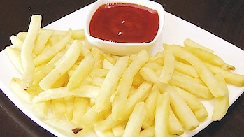 Presenting Monsoon Special Homemade Crispy French Fries Recipe.. Secret Tip to keep fries Crispy #ropo-love #ropo #roposo #ropo-post #ropo-foodie #food #foodiesofindia #recipe #recipes #recipeoftheday #snack #snacks #foodies