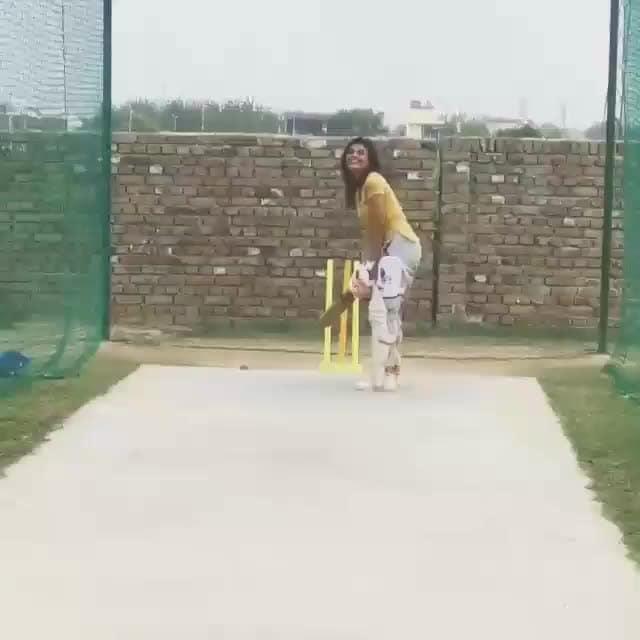 #girls #gully_cricket