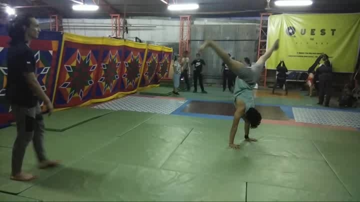 Uchal Kood😋 thank you everyone for 121k Followers❤️ #ropo-love #bboy #godhand #ropo-good #flipping #flips #tricking #jumping