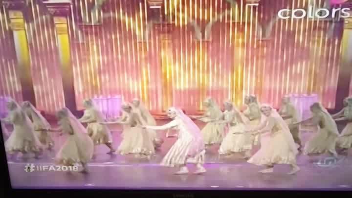 IIFA2018 Evergreen Rekhaji Performance #iifa2018 #IIFA #rekhaji #rekha #performance #InAakhoKimastiKeMasatneHazaroHai #filmistan