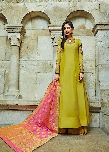 Get a royal touch to your wardrobe with this stunning #upadasilk #yellow party wear suit with #Banarasi Dupatta available @ https://goo.gl/3qoqdv #beauty #SalwarSuit #OnlineShopping #palazzostyle #bling #golden #Eidsale #bakraeid #bakraeidsale #jashneeid #Shimmer #partywearonline #sneakpeek #USA #India #Canada #Australia #Dubai #UAE #Mauritius #London #Uk #shopnow #manndola