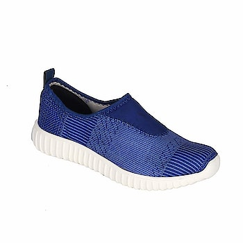Altra Slip-On Stylish Casual Sports Shoes for Men Type: Casual Stylish Sports shoes Feature: Heel Type: Flats, Toe Style: Closed Toe Lace Up type Closure and padded footbed and inner lining offers Perfect Fit on all terrains  https://www.amazon.in/dp/B07DL2DJHZ  #SportsShoes #CasualShoes #StylishSportsshoes #runningshoes
