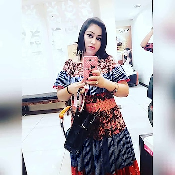 selfielove#selfieaddiction#maxidress#aksdress#haircut#lovelyhair#ropso#ropsofashion#ropsofashionblogger#yourfeeds#fashionable