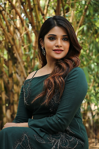 Aathmika stills at Naragasooran movie Trailer Launch wearing Emerald Green off shoulder outfit by Charu And Vasundhara. Styled by Aaron Borthwick. https://www.southindianactress.co.in/tamil-actress/aathmika-naragasooran-trailer-launch/  #aathmika #southindianactress #kollywood #kollywoodactress #tamilactress #indianactress #indiangirl #actress #emeraldgreen #naragasooran #charuandvasundhara #aaronborthwick #gown #longdress #greendress #emeraldgreen #fashion #style #styles