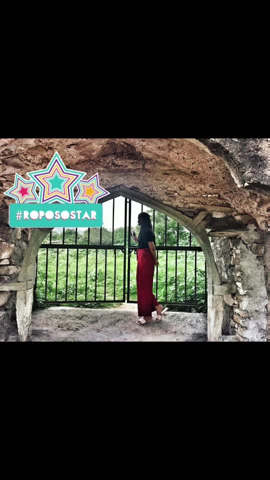 Positive vibes 🌈 . . . . . #fashion #fashionblogger #jaipur #jaipurblogger #jaipurbloggers #mytaste2k18 #fabebg #bhukkadfam #love #like #india #greenery #treasuremuse 😊 #roposo #roposofam #roposolife #roposostar