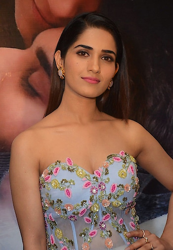 Ruhani Sharma wearing off shoulder gown at Chi La Sow Premiere Show https://www.southindianactress.co.in/telugu-actress/ruhani-sharma-chi-la-sow-premiere-show/  #ruhanisharma #southindianactress #tollywood #tollywoodactress #teluguactress #indianactress #indianactress #indiangirl #actress #fashion #style #styles #gown #weddinggown #offshoulder #offshoulderdress #embroiderywork #embroiderylove