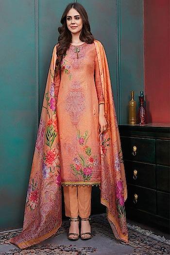Fresh Arrival ! Shop this Lovely #checks #kotachecks Straight Cut Suit @ https://goo.gl/kfytkU #newarrivals #shoponline #summercollection #jinaam #manndola #digitalprint #digitalprinted #summerhues #eidsale #bakraeid #bakraeidsale #jashneeid #ootd #sneakpeek #summerwear #indianfashion #USA #India #Canada #Australia #Dubai #UAE #Mauritius #London #Uk #shopnow