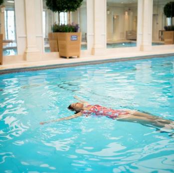 SwimmingTime  #swimmingtime #swimmingday #swimwear #swimsuit #swimmingpool #swimsuits #fashionblogger #londonblogger #ukblogger #londonhotel #weekendgetaway #vacatimemode #vacationtime