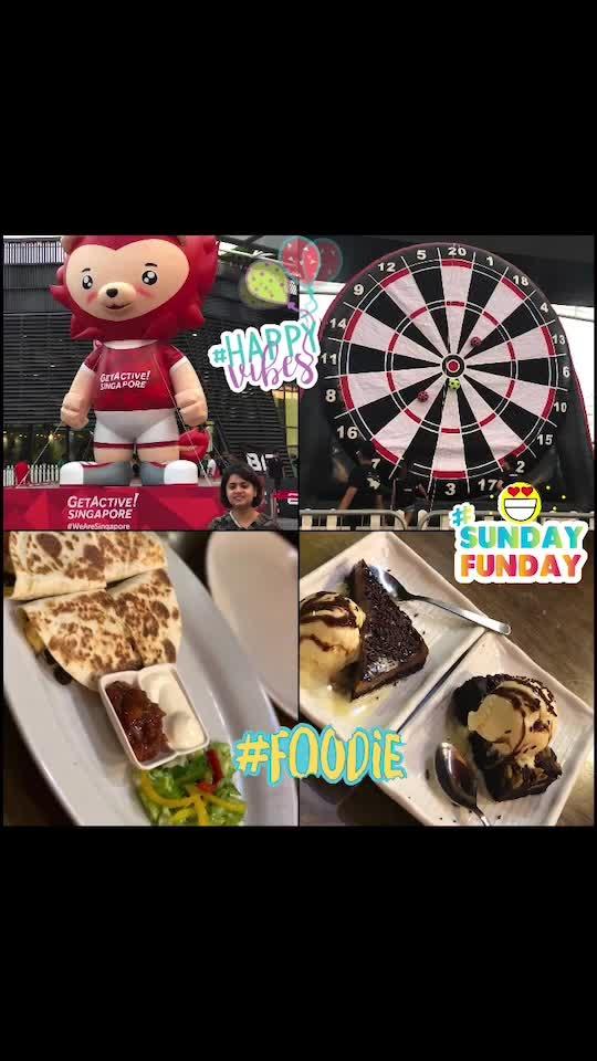 Abput last evening 😌😋😎😌☺️😊😁😄  #fun #enjoy #happy #giantfootballdart #happyvibes #foodie #sundayfunday #sportszone #mexicanfoodlover #sweettooth #cakelover #designyournailsbyisha #cafe #singapore #roposoblogger #soroposo #weekendlove #weekend #goodvibes