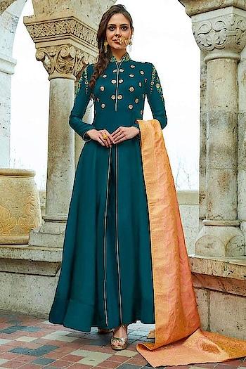 Get a royal touch to your wardrobe with this stunning #upadasilk #turqoise and #orange party wear suit with #Banarasi Dupatta available @ https://goo.gl/aKCYiC #beauty #SalwarSuit #OnlineShopping #palazzostyle #bling #golden #Eidsale #bakraeid #bakraeidsale #jashneeid #Shimmer #partywearonline #sneakpeek #USA #India #Canada #Australia #Dubai #UAE #Mauritius #London #Uk #shopnow #manndola